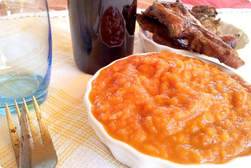 Aderezo de tomate caliente para carne a la parrilla