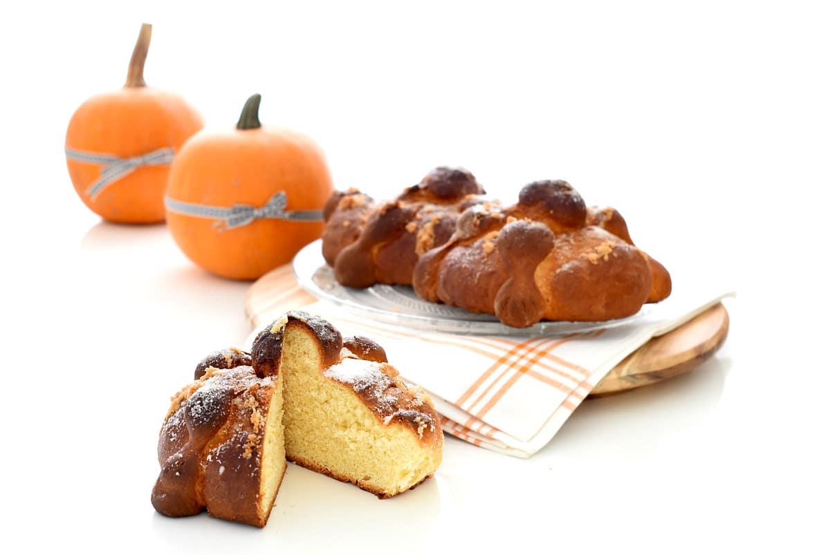 Así queda abierto tu pan, verás como se parece a la toña alicantina o al roscón :D